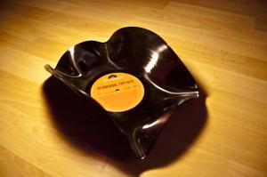 Die Schallplatten-Schale