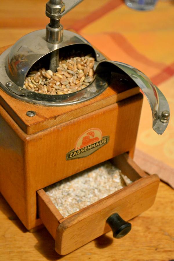 Mehl mit einer Kaffeemühle herstellen