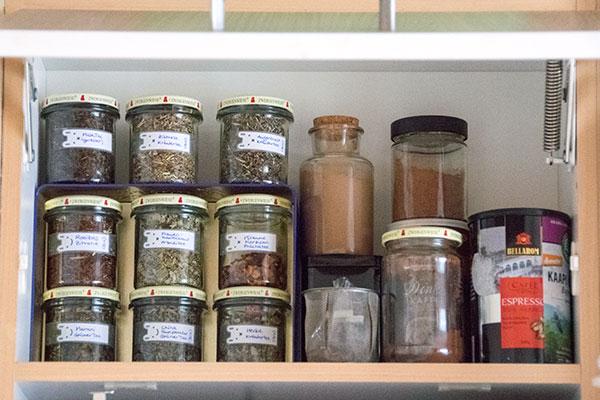 Ordnung im Tee-Schrank