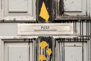 """Briefkasten mit der Aufschrift """"Bitte keine Werbung einwerfen"""""""