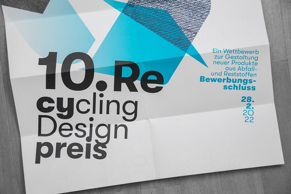 Plakat vom 10. Recycling Preis: Ein Wettbewerb zur Gestaltung neuer Produkte aus Abfall und Reststoffen - Bewerbungsschluss 28.02.2022
