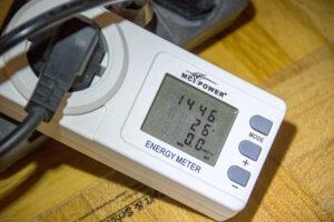 Ein zwischengeschaltetes Strommessgerät